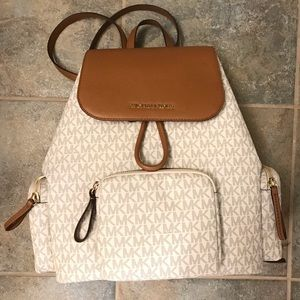 MICHAEL KORS VANILLA ACORN LARGE ABBEY BACKPACK